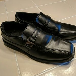 Smart Fit Shoes - Young men's black slip on dress shoes
